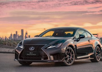 The RC F Track Edition incorporates a lightweight carbonfibre reinforced plastic (CFRP) bonnet and front spoiler, aiding aerodynamics and vehicle response.